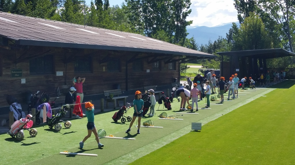 Golf infantil en real club de golf cerdanya
